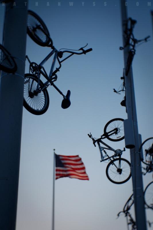 BikesAndFlag_1.8_1600Web